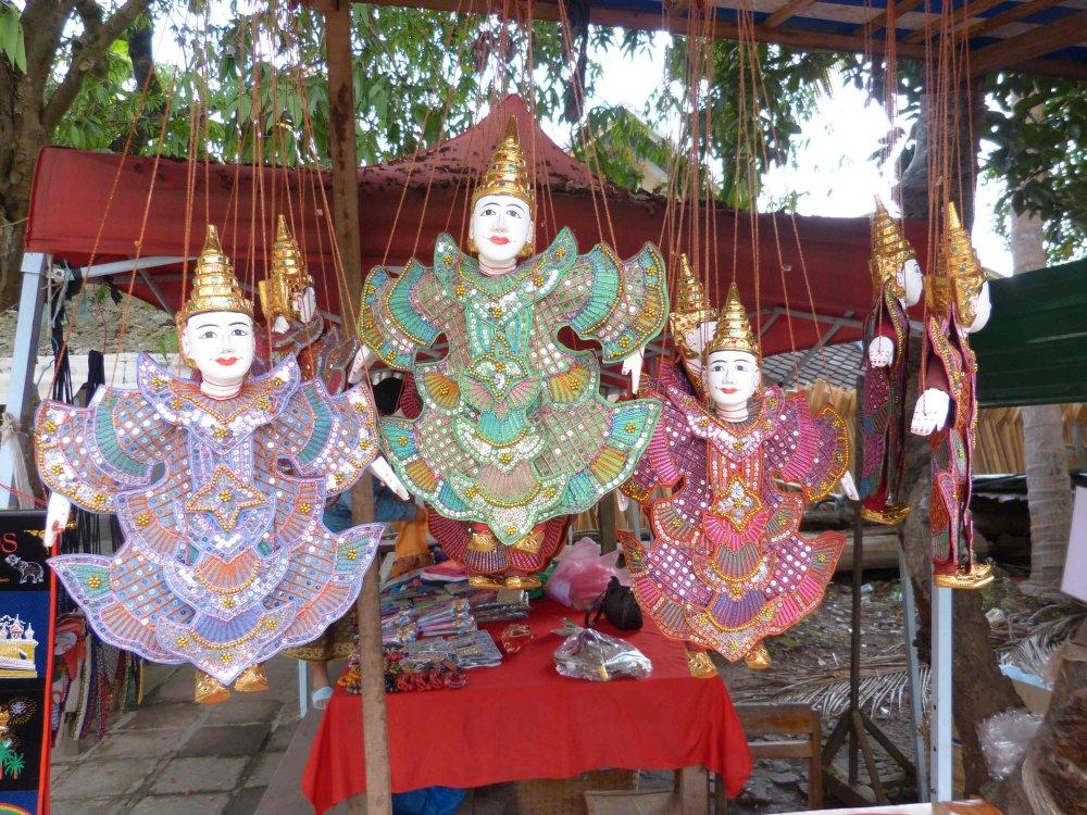 Marionetten aus Laos.