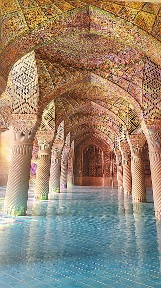 Die historische Nasir al mulk Moschee im Herzen von Shiraz