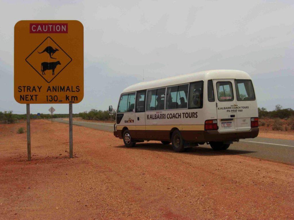 Straßenschild im Outback von Australien.