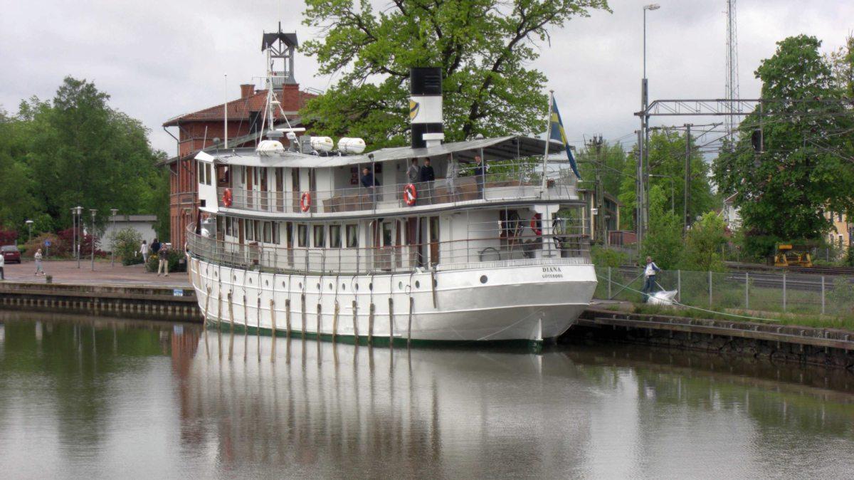 """Die MS """"Diana"""" auf dem Götakanal in Schweden"""