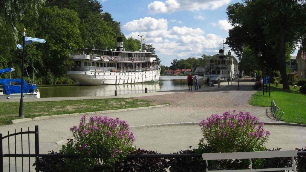 Historische Schiffe auf dem Götakanal