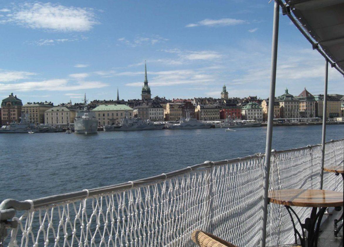Einfahrt mit dem Schiff nach Stockholm, Schweden