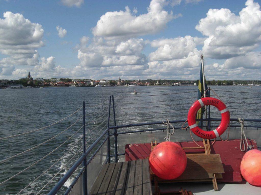 Blick vom Ausflugsboot auf Västervik an der Ostküste von Schweden