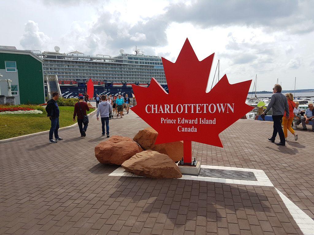 die Mein Schiff 6 in Charlottetow, der Hauptstadt der kanadischen Provinz Prince Edward Island.