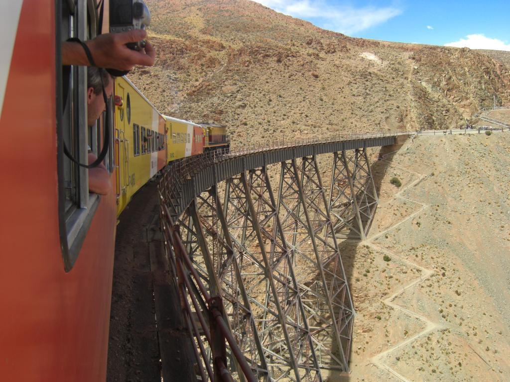 Viadukt am Tren a las Nubes
