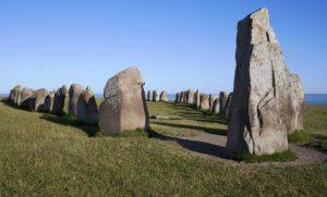 Die Steinsetzung Ales Stenar in Schonen, Schweden