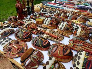 Kunsthandwerk der Amazonas-Indianer