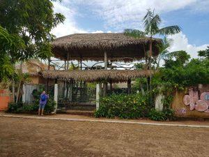 Freiluftrestaurant inAlter do Chão in Amazonien