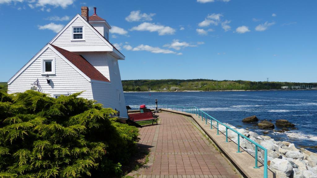 Leuchtturm an der Küste von Nova Scotia, Kanada