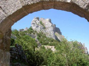 raue Landschaft während einer Eselswanderung durch die Cevennen in Frankreich.