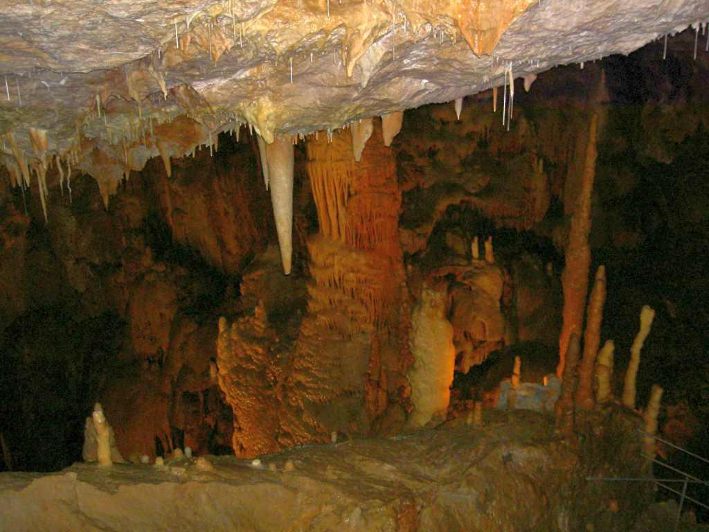 Die Höhle von Dargilan im Nationalpark der Cevennen in Frankreich.