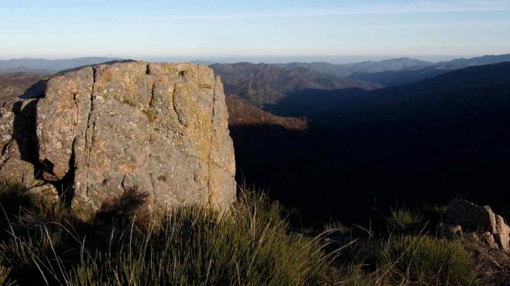 Hügellandschaft im Nationalpark der Cevennen in Frankreich