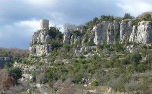Gesteinsformationen im Nationalpark der Cevennen in Frankreich.