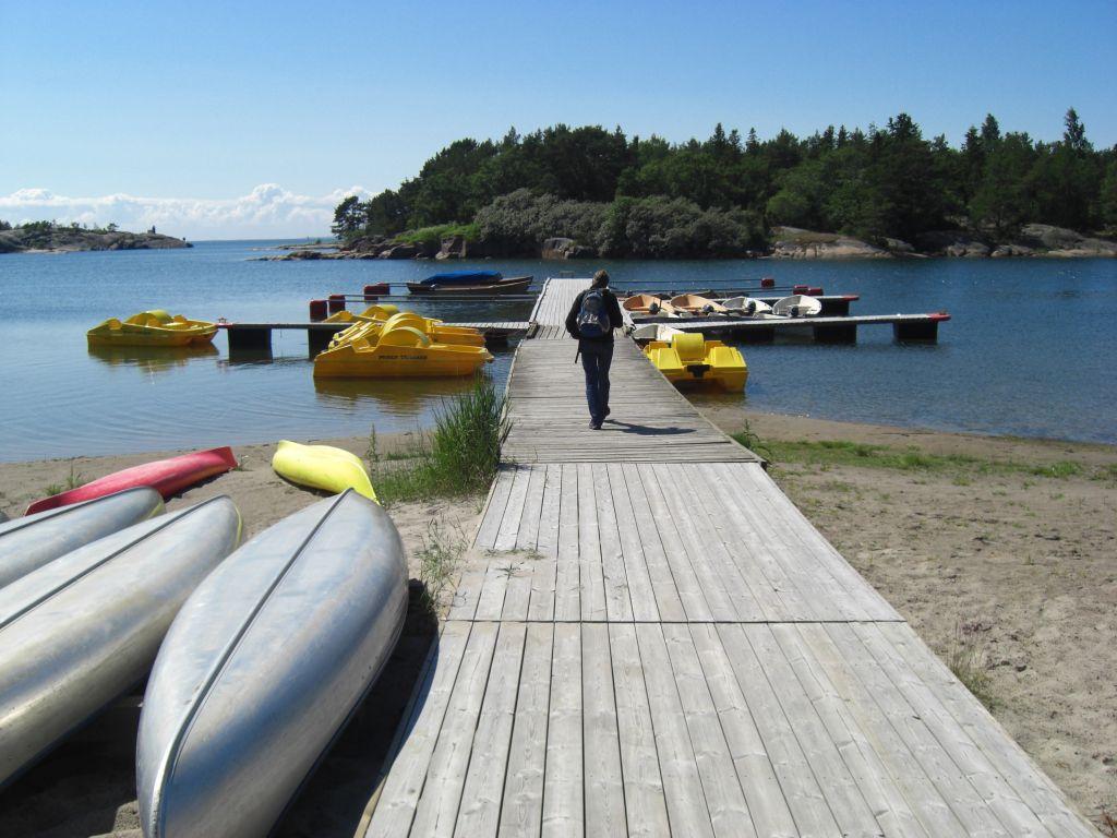 Bootssteg auf den Ålandinseln, dem Schärenparadies in der Ostsee.