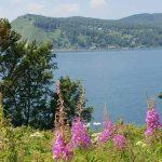 Blick auf die Angara und den Baikalsee unweit des Örtchens Listwjanka