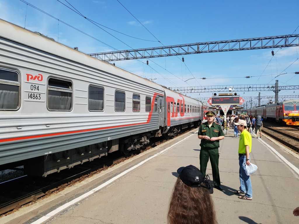 Bahnhof Irkutsk an der Transsibstrecke, unweit des Baikals.