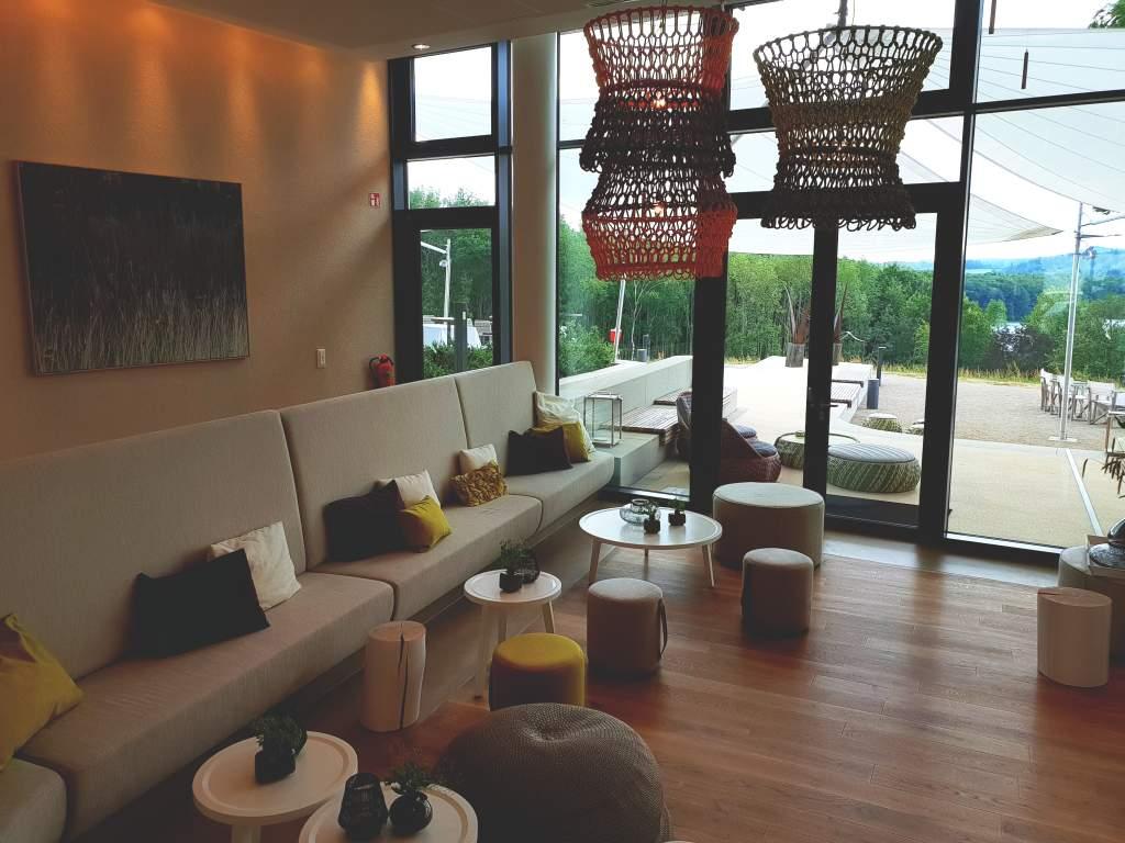 Foyer des Hotels Seezeitlodge am Bostalsee im Saarland