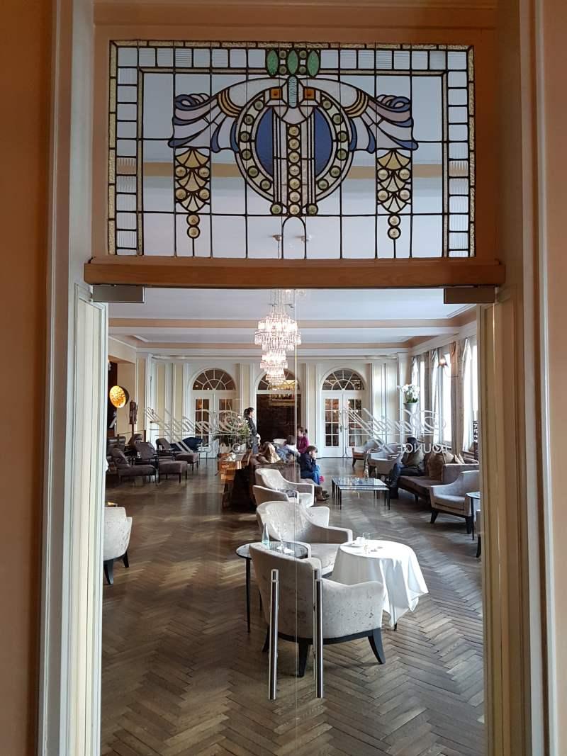 """historische Stilelemente im Hotel """"Lenkerhof"""" in Lenk im Simmental, Schweiz."""