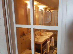 """das Zimmer im Hotel """"Lenkerhof"""" in Lenk im Simmental, Schweiz."""