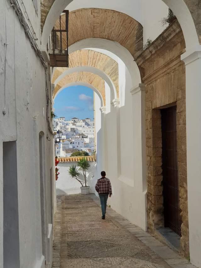 der Arco de las Monjas in Vejer de la Frontera in Andalusien, Spanien
