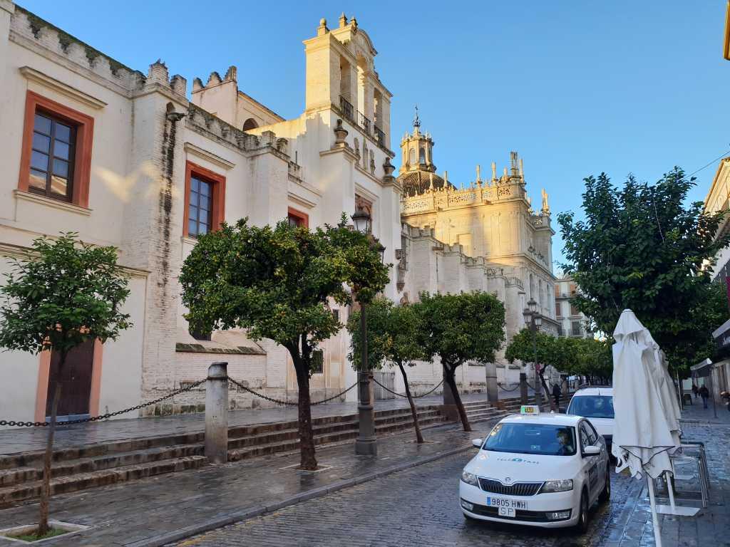 die Kathedrale von Sevilla im Hinterland der Costa de la Luz in Spanien.