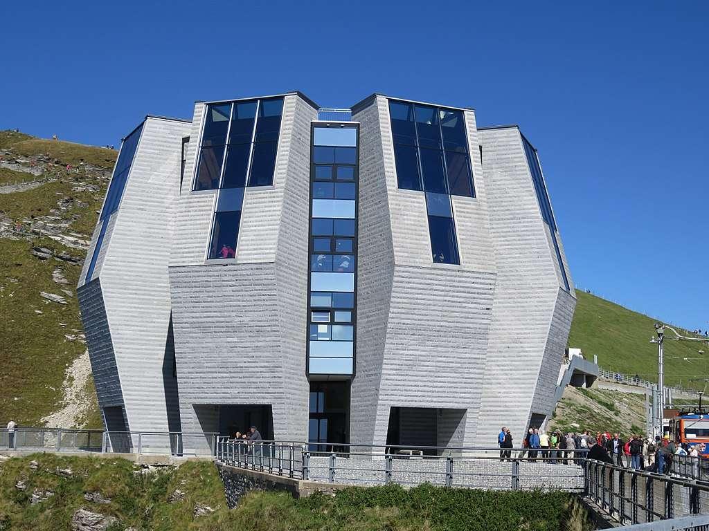 die Fiore di pietra, die Steinblume von Architekt Mario Botta unweit des Luagener Sees im Tessin, Schweiz