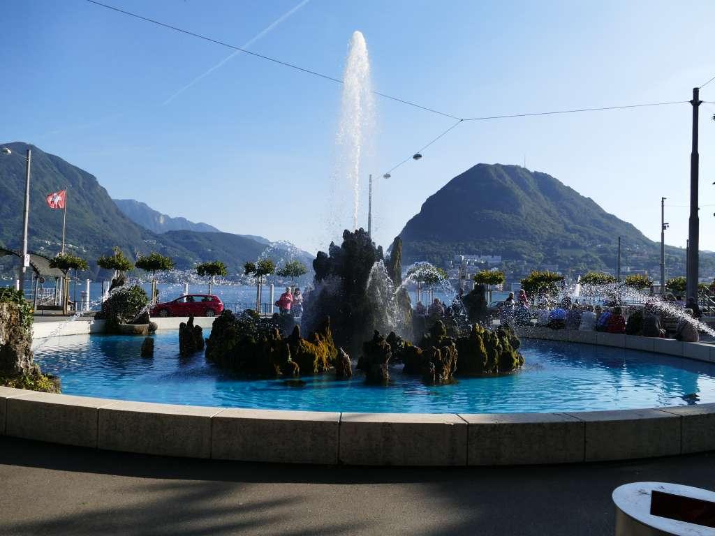 die Altstadt von Lugano am Luganer See im Tessin, Schweiz