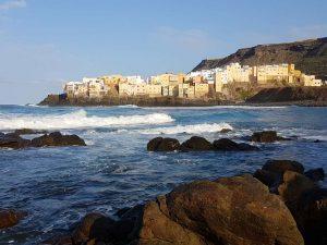 Küstenstadt im Norden der Kanareninsel Gran Canaria, Spanien