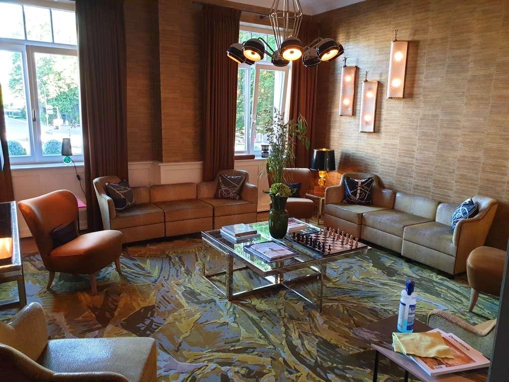 """kleiner Saal im Hotel """"La Maison"""" im saarländischen Saarlouis"""