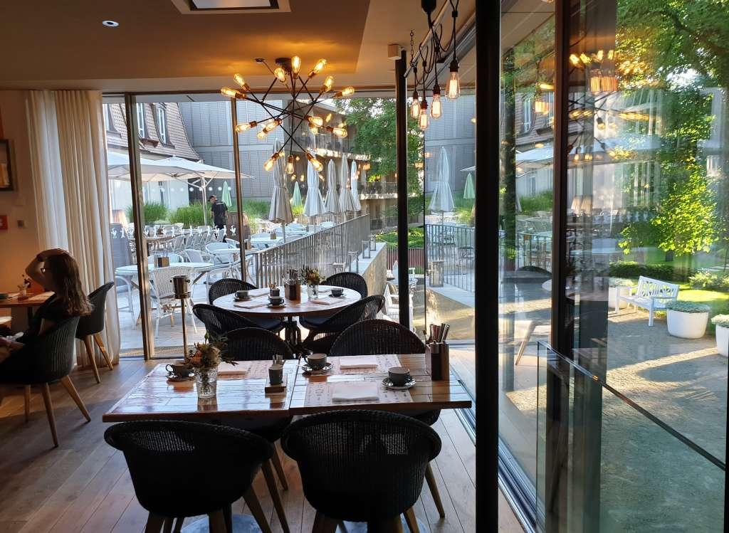"""der Wintergarten im Hotel """"La Maison"""" im saarländischen Saarlouis"""