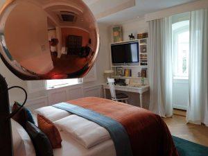 """Zimmer """"Louis"""" in der historischen Villa des Hotels """"La Maison"""" im saarländischen Saarlouis."""