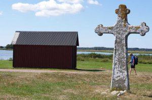 steinernes Kreuz auf der Landzunge von Kapelluden auf der schwedischen Insel Öland