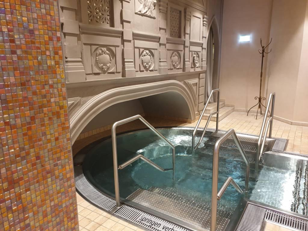 """die Wasserwelt Venezia im Hotel """"Central"""" im Tiroler Wintersportort Sölden"""
