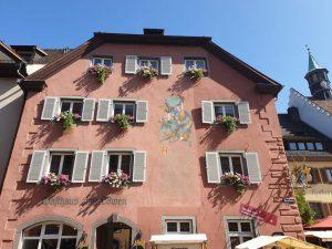 """das Gasthaus """"Löwen"""" in Staufen, dem mittelalterlichen Kleinod im Breisgau"""