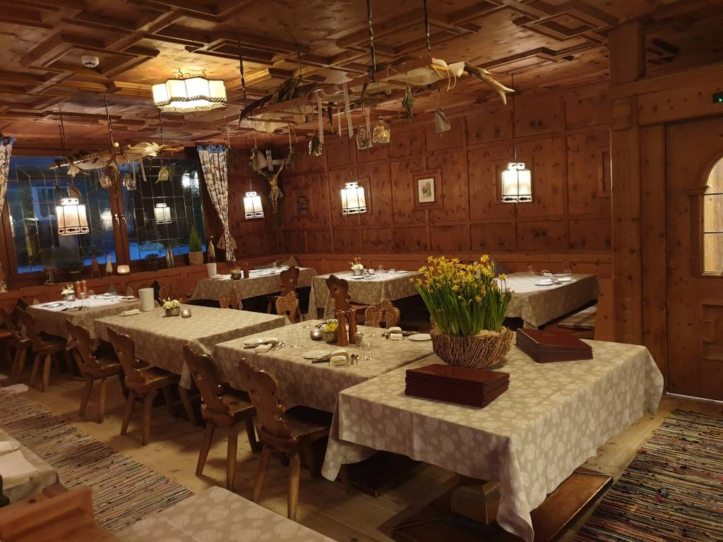 "Restaurant im Hotel ""Central"" im Tiroler Wintersportort Sölden"