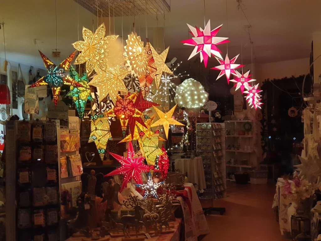 Adventsschmuck in einem Geschäft in Quedlinburg