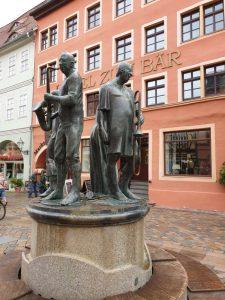 """Der Brunnen vor dem Gasthaus """"Bären"""" in Quedlinburg"""