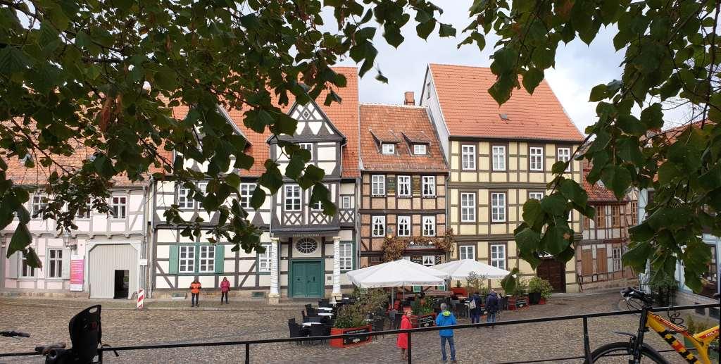 Fachwerkzeile zu Füßen des Schlossbergs in Quedlinburg