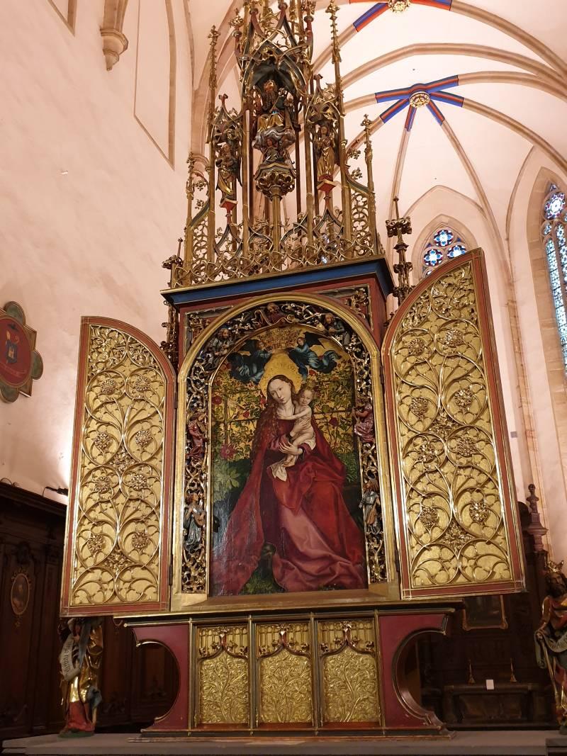 Fotoparade: Madonna im Rosenhag in der Dominikanerkirche in Colmar