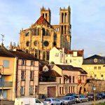 Panorama der französischen Stadt Mantes-la-Jolie