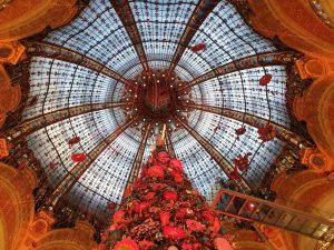 Festtagsstimmung in den Pariser Galeries Lafayette