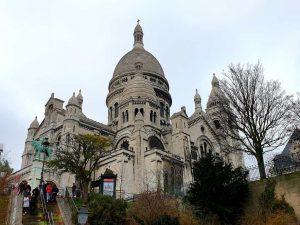 Kirche Sacré-Cœur im Pariser Stadtviertel Montmatre.