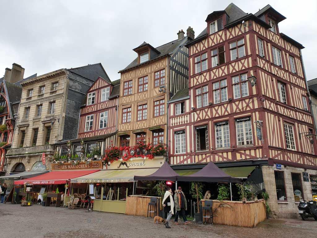 der Place du Vieux-Marché in Rouen, Frankreich