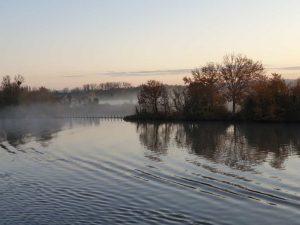Morgennebel über der Seine.