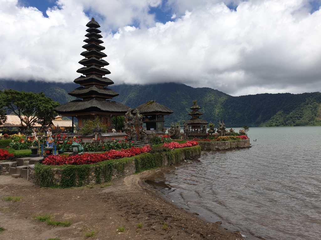 Der Pura Ulun Danu Bratan am gleichnamigen See ist einer der schönsten Tempel Balis.