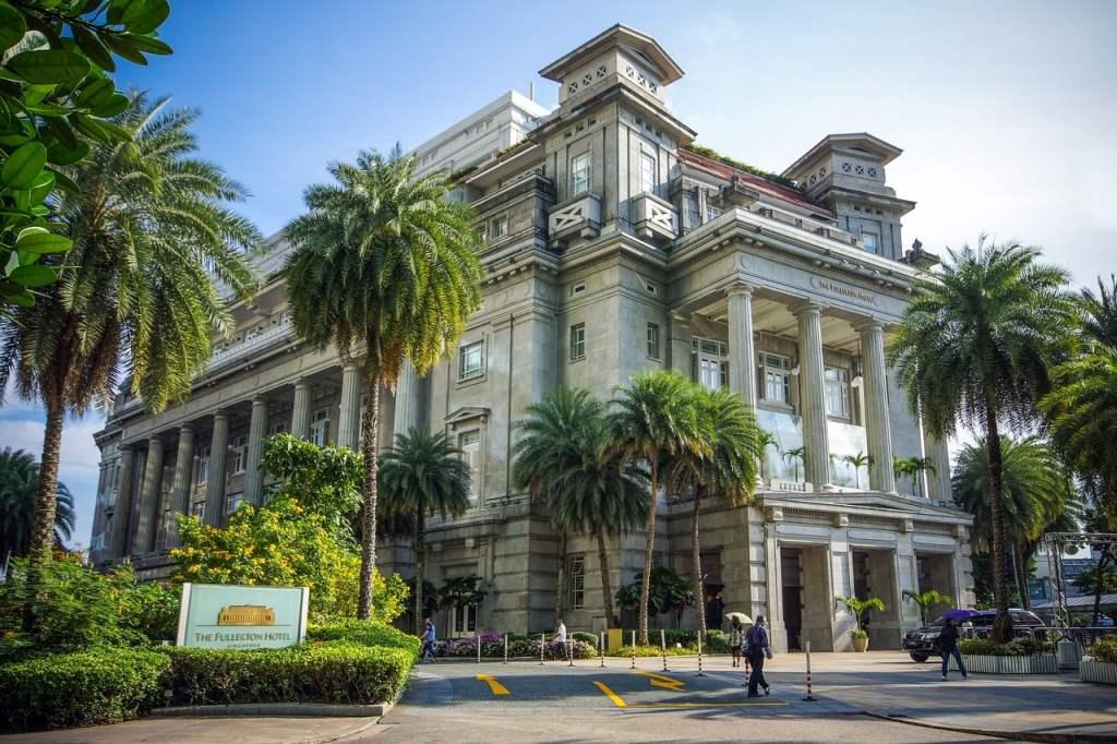 """Das """"Fullerton Singapur war einst ein städtisches Verwaltungsgebäude. Seit 2001 wird es als Hotel genutzt."""