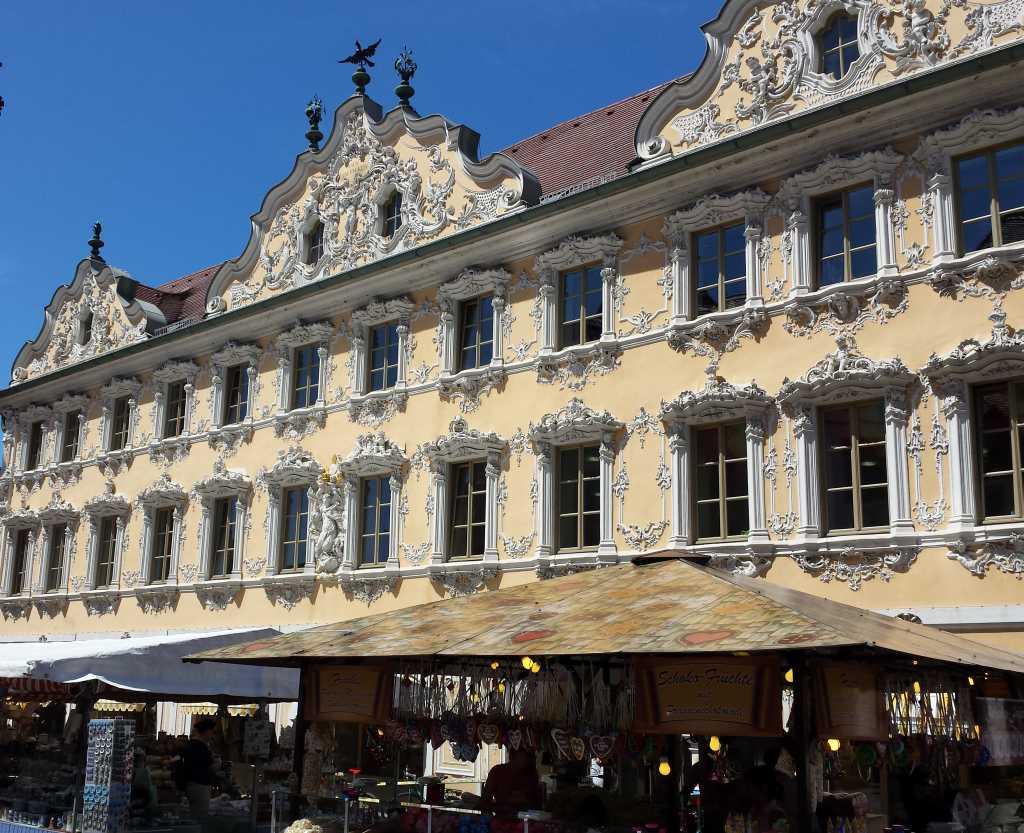 """Das Falkenhaus"""" in Würzburg zählt zu den schönsten Rokokobauten Süddeutschlands."""