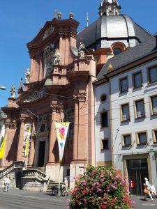 die Kirche Neumünster in Würzburg