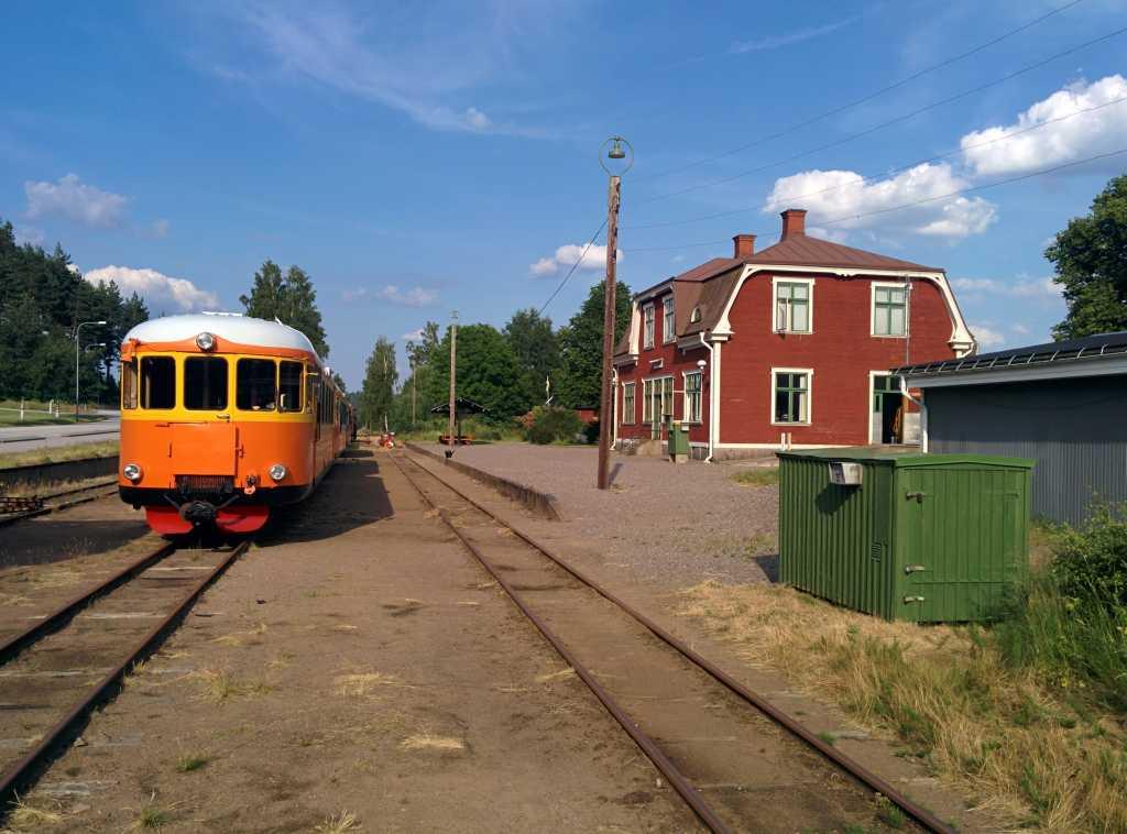 Altertümliches Gefährt: der Schienenbus der Schmalspurbahn zwischen Hultsfred und Västervik.