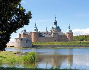Mehr Festung als Schloss: das Schloss von Kalmar in Smaland, Schweden.
